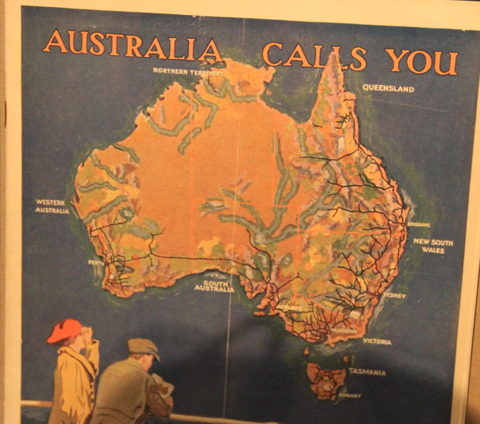 Australia calls you map and tourism ad